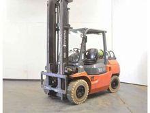 2002 Toyota 02-7FG35 Forklift
