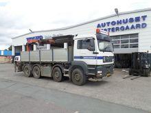 MAN 35-433 steel Truck Crane