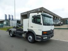 2001 Mercedes Benz 1215 Contain