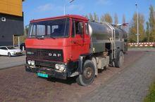 DAF 2100 tankopbouw bladgeveerd