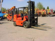 Used 1998 Hyster H7.