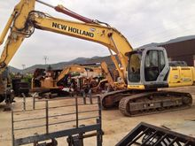 2007 New Holland E215B Crawler