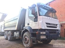 2008 Iveco Trakker 360 Closed b