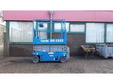 Used 2006 Genie GS 1