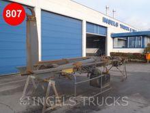 2002 AL20000U Trucks