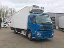 2004 Volvo FM9 THERMO KING 3x A