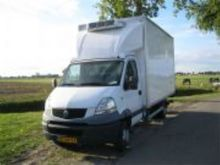 2007 Renault Freeze truck with