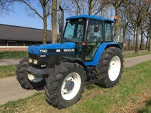 1995 New Holland 7740 SLE Tract
