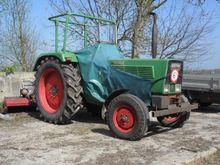 Fendt 102 s Tractor