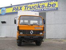 1988 Renault S 170 Closed box
