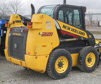 2015 New Holland L221 39998