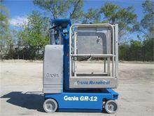 Used 2006 GENIE GR12