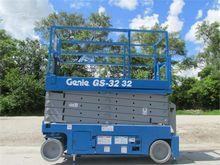 Used 2011 GENIE GS32