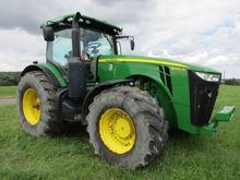 2014 John Deere 8260 R Farm Tra