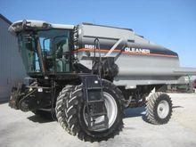 2005 Gleaner R65