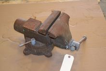 "8"" JAW BENCH VISE"