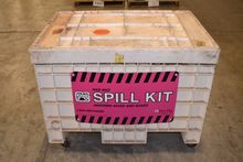 PIG HAZMAT SPILL KIT WITH CONTE