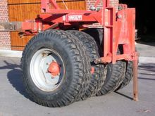 1986 Kverneland TIRE PACKER
