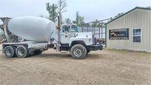 2004 MACK DM690S