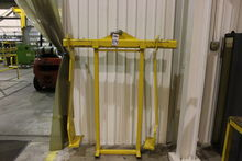 HOIST TONGS WITH STAND