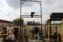 OVER HEAD HOIST WITH CRANK AND