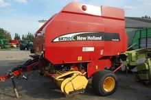 2003 New Holland BR750 CropCutt