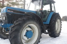Tractor Ford 7.5 VM 1993 Hours
