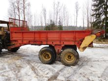 Manure spreader wagon Belarus 7
