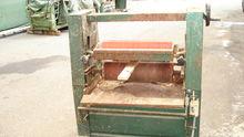 gluing apparatus