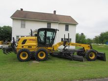 2016 NEW HOLLAND F200