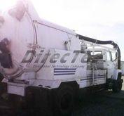 1989 5000 gal vac truck