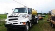 1997 1997 Ford F700 1500gallon