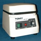 TOMY MC 140 Benchtop Microcentr