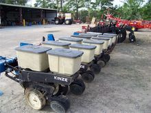 Used KINZE 2100 in F