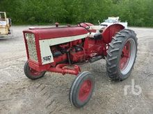 INTERNATIONAL 504 2WD Tractor