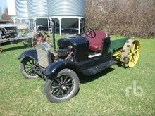 FORD MODEL T Antique Tractor