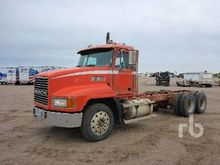1997 MACK CH613 T/A Cab & Chass