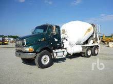 2006 STERLING LT9500 T/A Mixer