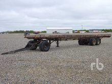 CUSTOMBUILT Tri/A Bale Wagon