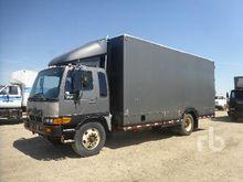 1998 HINO FF COE S/A Van Truck