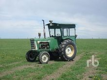 1961 OLIVER 880 Antique Tractor