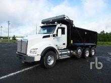 2015 KENWORTH T880 Dump Truck (