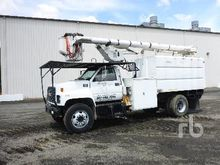 1997 GMC C7500 S/A Tree Trimmer