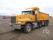 2002 MACK CL713 Dump Truck (Tri