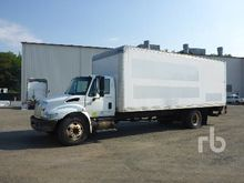 2007 INTERNATIONAL 4200 S/A Van