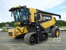 2009 LEXION 575R Tracked Combin