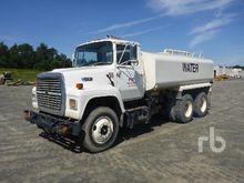 1990 FORD L8000 3880 Gallon T/A