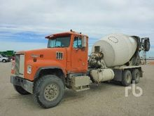 1999 INTERNATIONAL 5000SFA Mixe