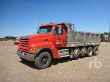 1999 STERLING LT9511 Dump Truck