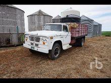 1964 FARGO S/A Grain Truck
